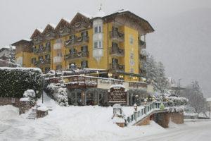 Hotel Alexander a Molveno, hotel in centro paese