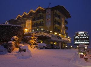 L'hotel alexander con la neve